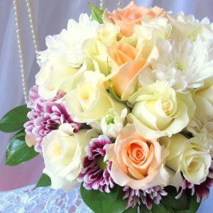 булчински букет с рози