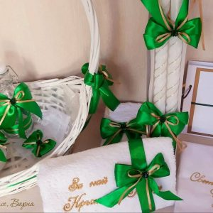 кръщене в зелен цвят